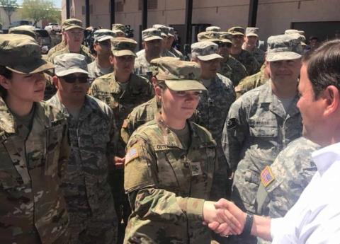 Surge nuevo obstáculo para Trump sobre militarización de frontera