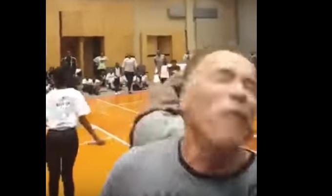 Arnold Schwarzenegger fue brutalmente atacado en evento deportivo
