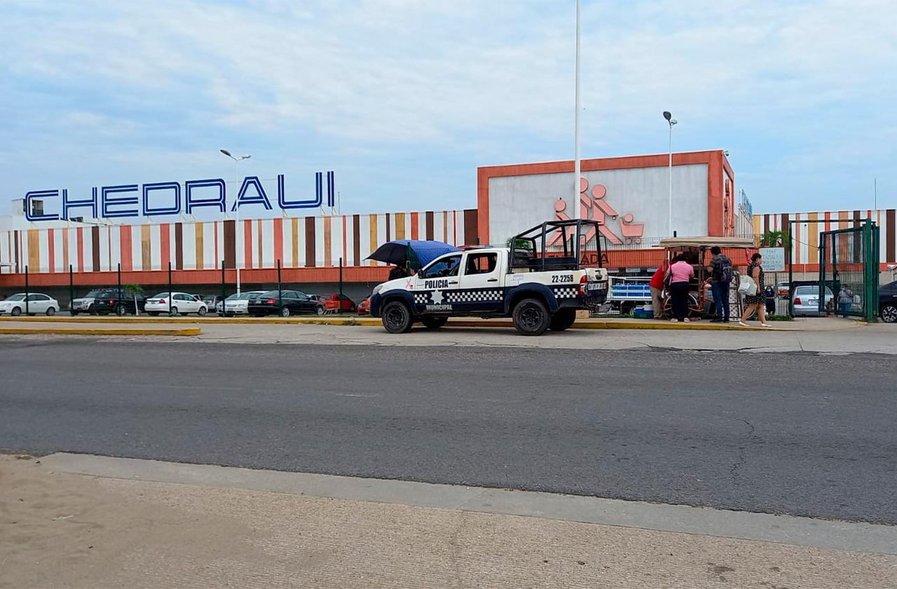 Asaltan a pasajeros y secuestran autobús en Coatza
