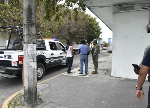 Mujer con bebé en brazos asaltó a taxista