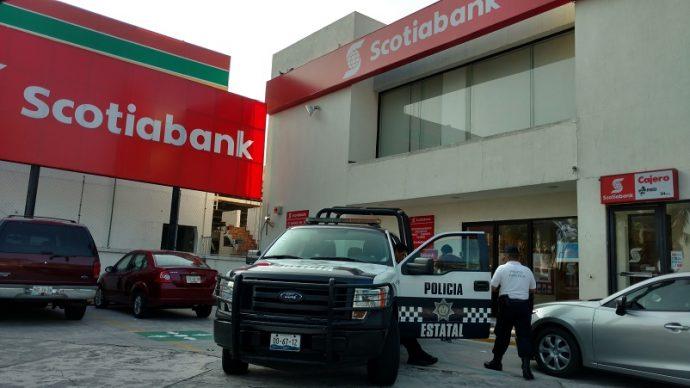 Detienen a 3 vinculados con robos bancarios