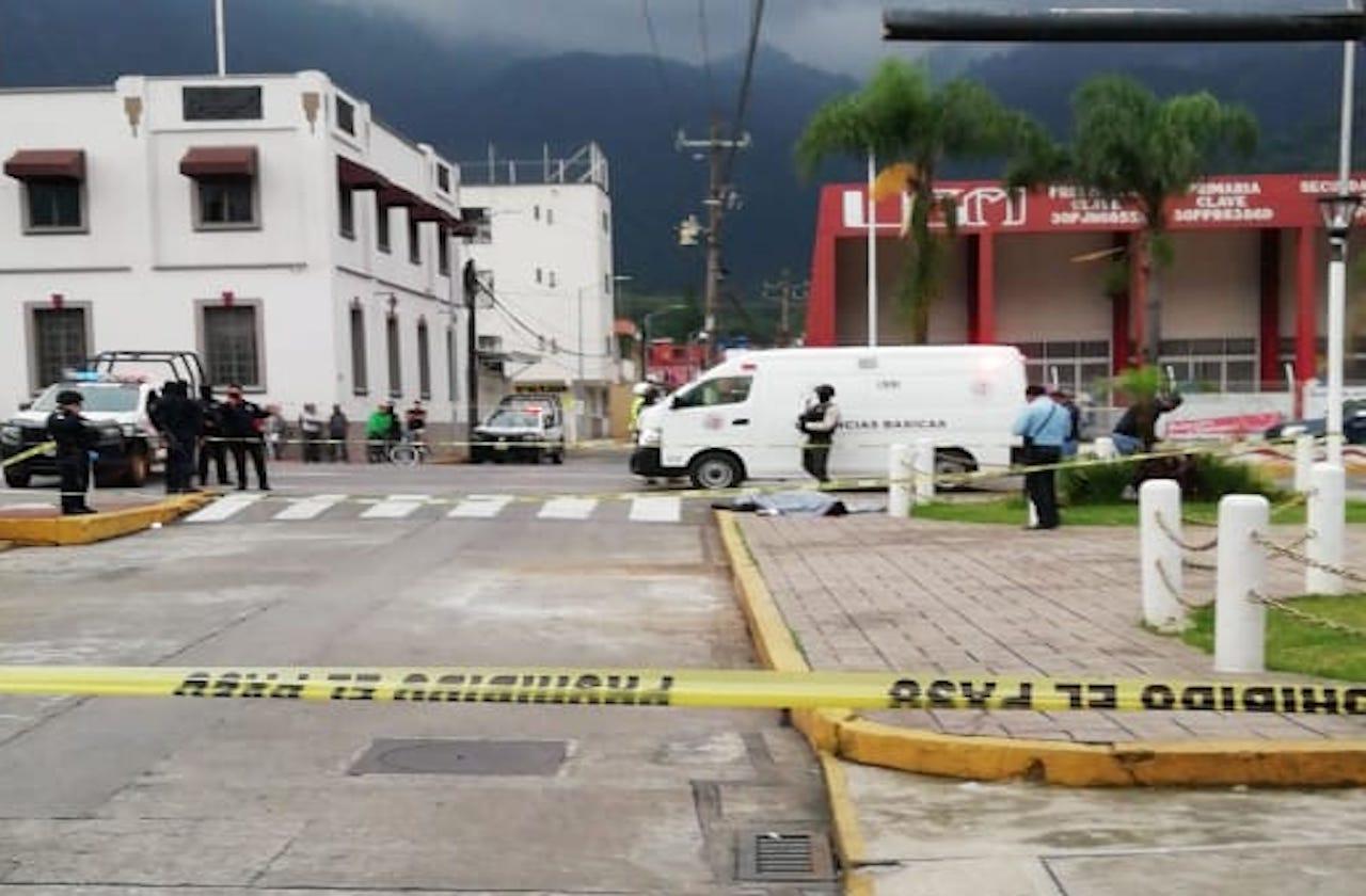 Agente de tránsito es acribillado en pleno centro de Río Blanco