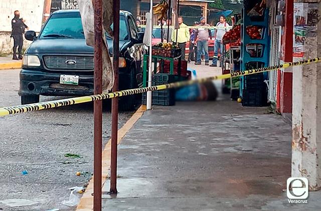 Asesinan a comerciante de Cosoleacaque en su negocio