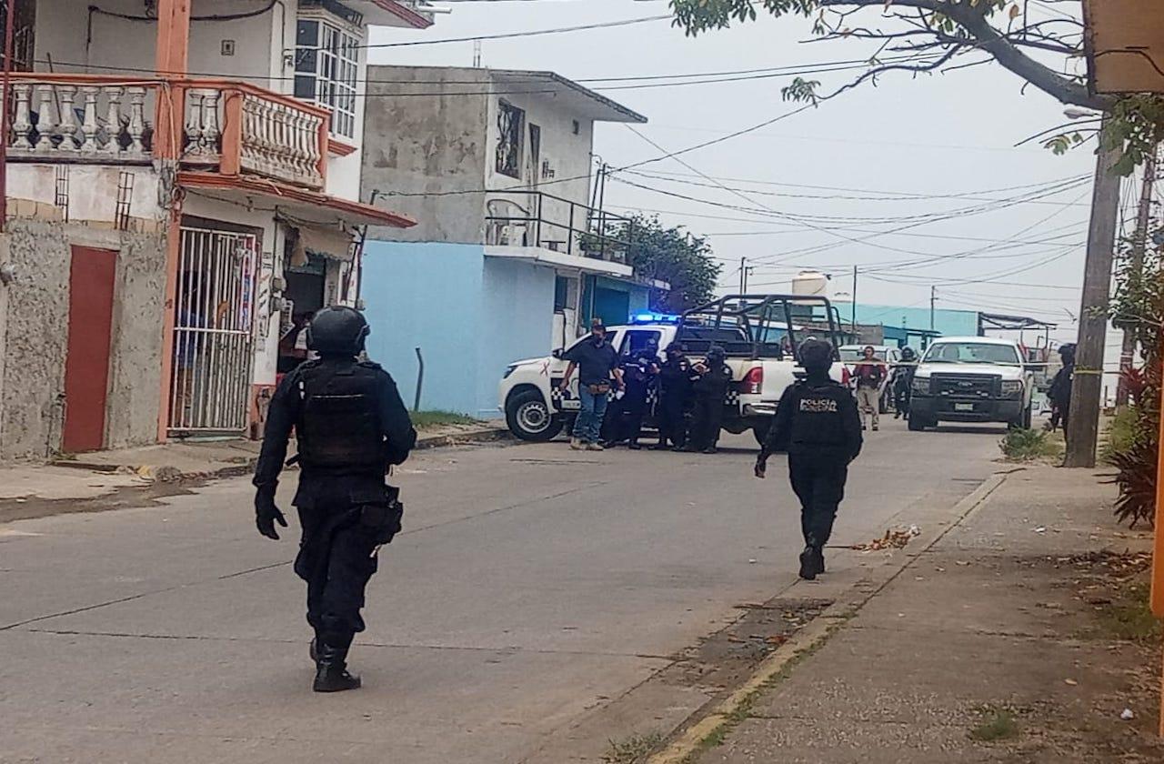 Asesinan a hombre en tienda de abarrotes de Coatza