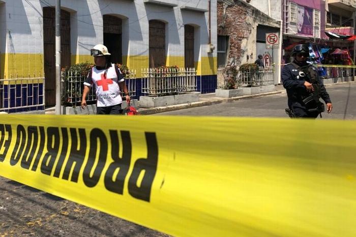 Hombre es asesinado a balazos en restaurante del puerto de Veracruz