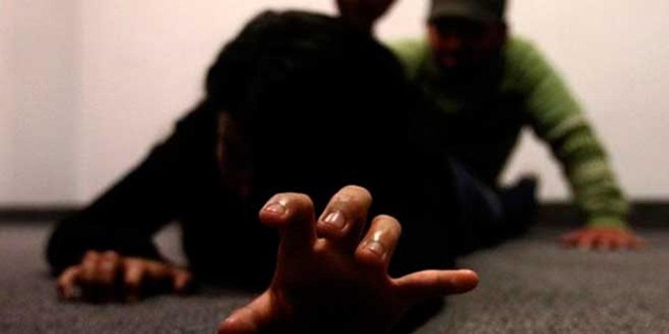 Intentan degollar a joven mujer, en Veracruz Puerto
