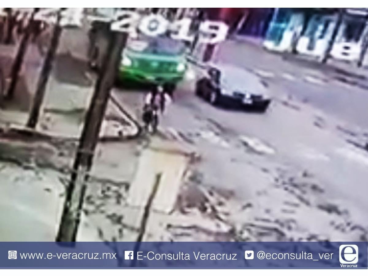 Video: Así balearon autobús de la línea Metropolitano en Río Blanco