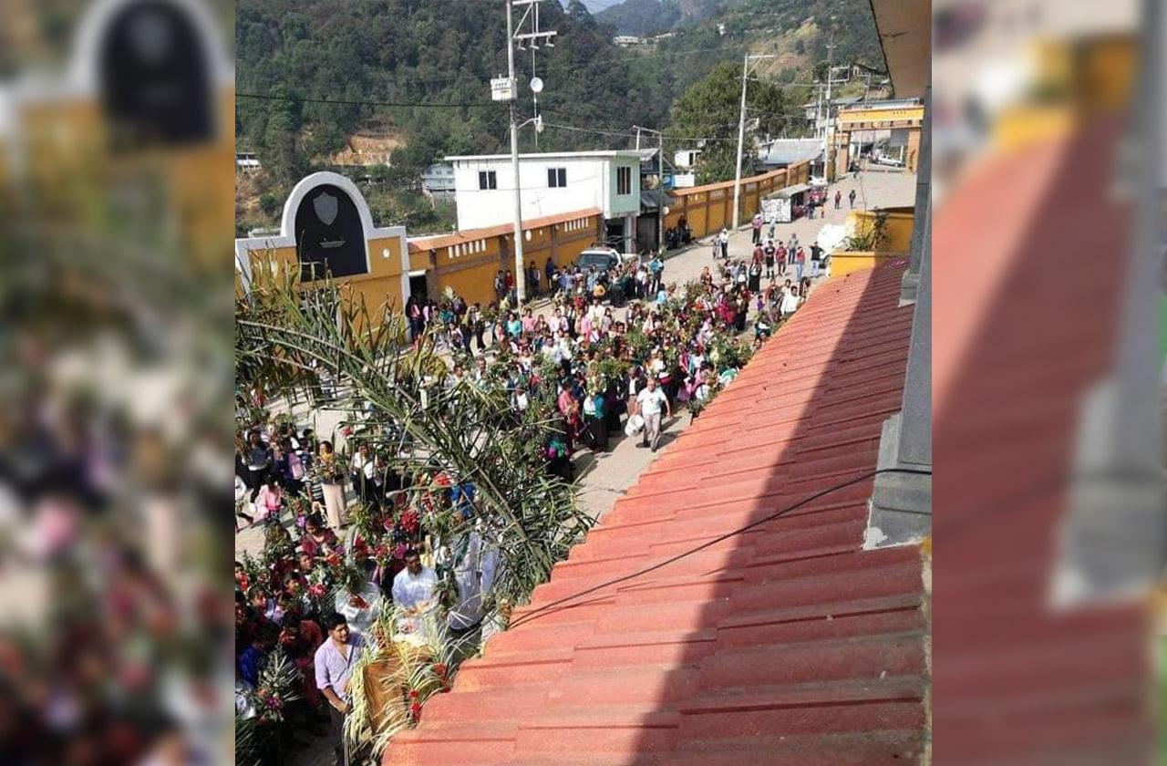 Atzompa hace a un a lado sana distancia por celebración religiosa