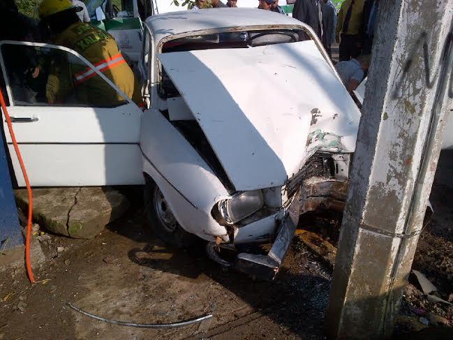 Matrimonio Accidente : Matrimonio resulta herido en accidente vehicular e