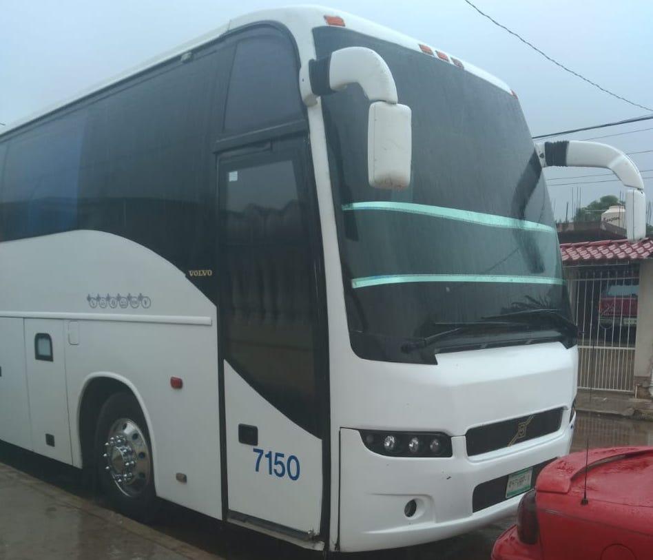 Rescatan autobús con 56 pasajeros secuestrados en Alvarado, la mayoría eran migrantes