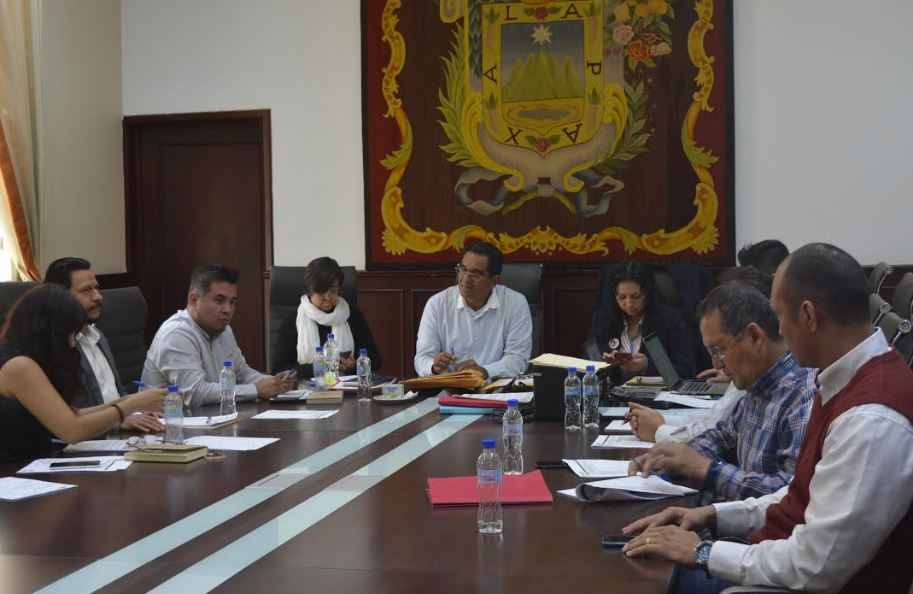 Cuatro empresas participan en licitación de camiones de limpia pública en Xalapa