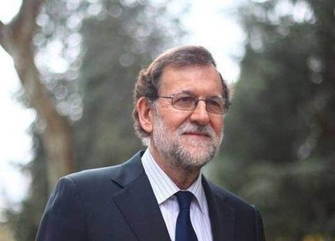 Acusa Aznar a Rajoy ante independentismo catalán