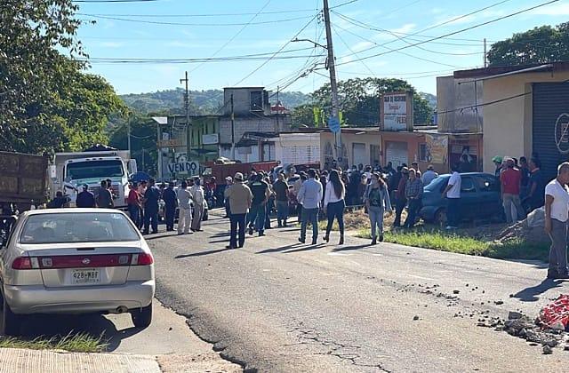 Autoridades piden 'paciencia' para construir puente en Xalapa-El Castillo