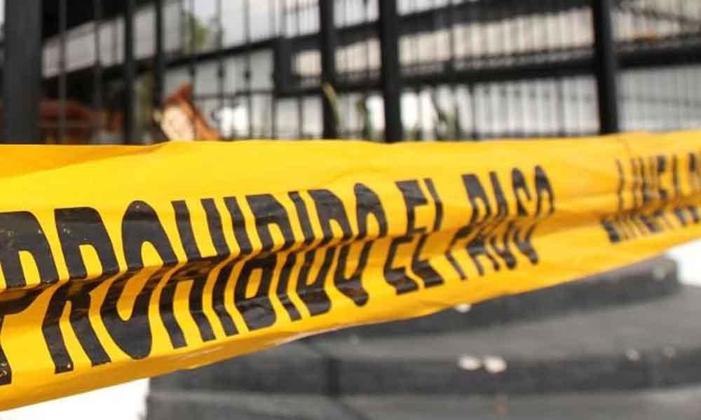 Mientras conducía su camioneta, ejecutan a médico en Minatitlán