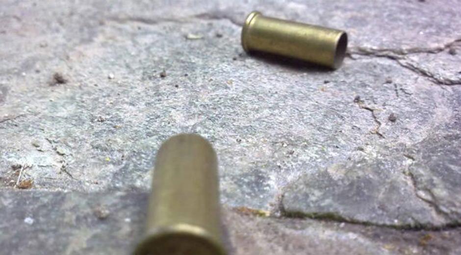 Muere presunto secuestrador tras enfrentamiento con policías; otro fue detenido