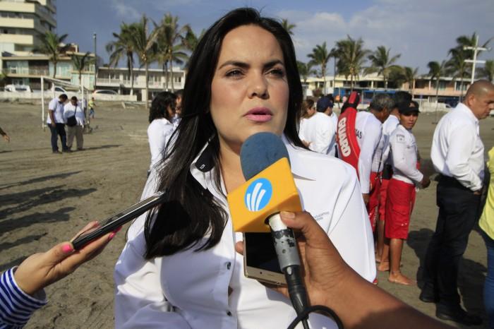 FGE investiga a funcionaria municipal de Veracruz por despensas