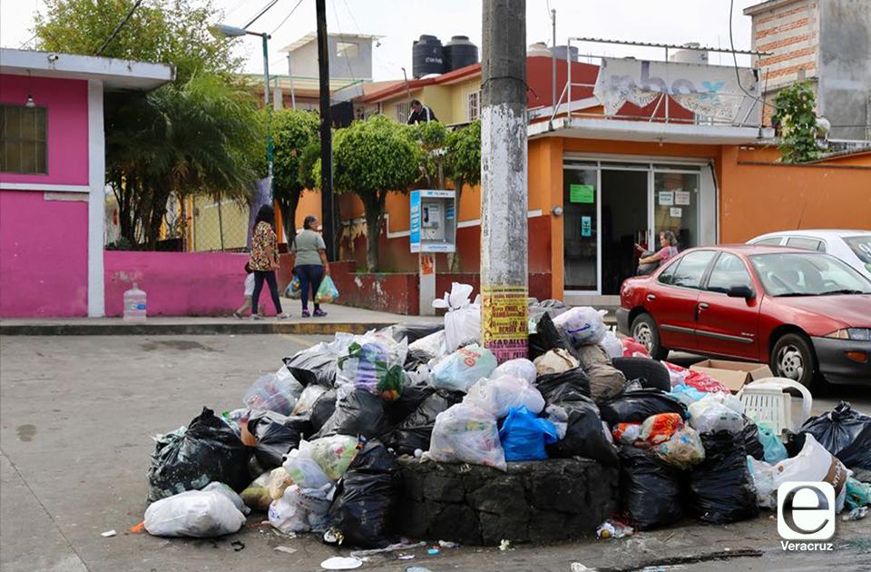 Con paro, Limpia Pública protesta en Xalapa