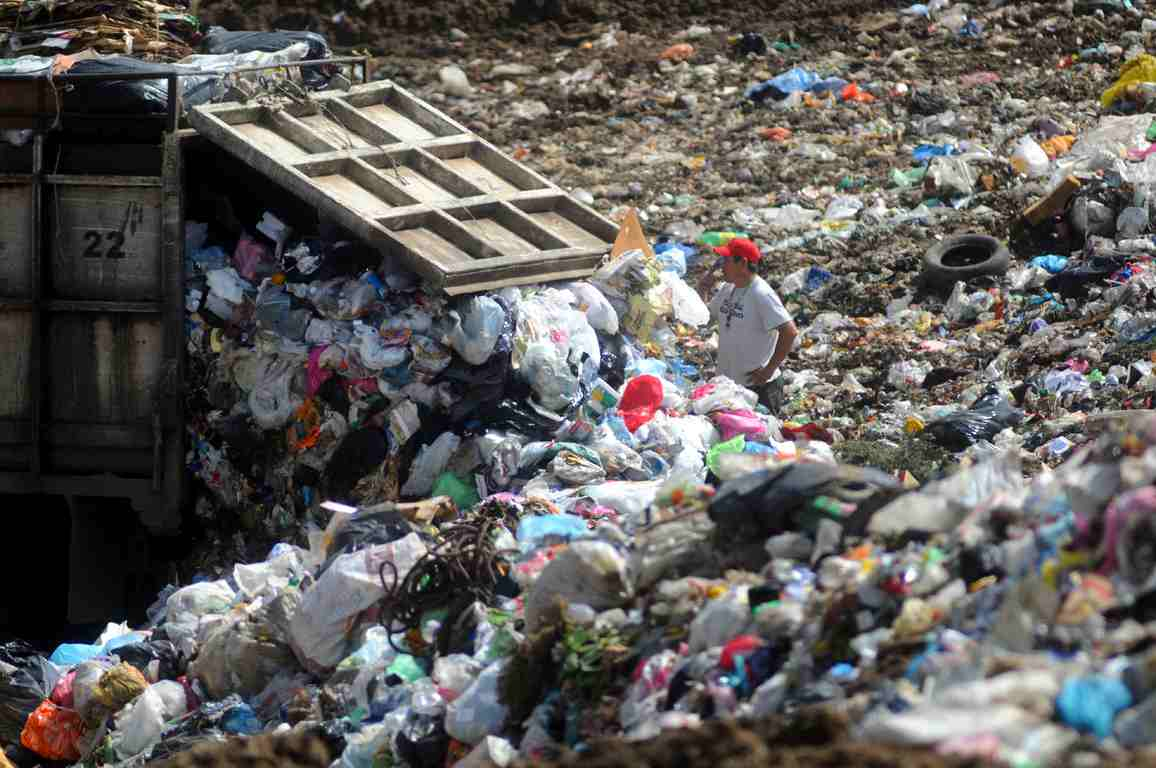 Al menos 20 municipios de la zona centro tiran basura en basureros a cielo abierto