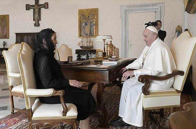 Así fue la reunión entre el Papa y Beatriz Müller