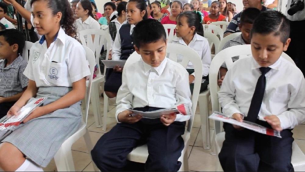 Diputados federales mintieron: estudiantes de Veracruz no han recibido becas