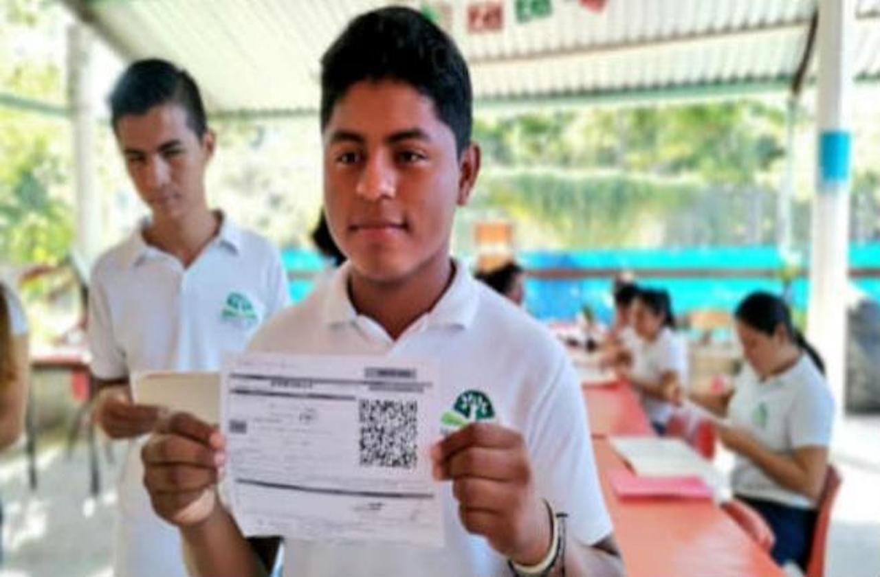 Beneficiarios de beca Benito Juárez deberán registrarse en línea