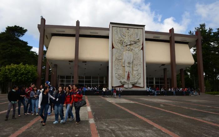 Gobierno de Veracruz mantiene adeudo de 10 mdp con la BENV