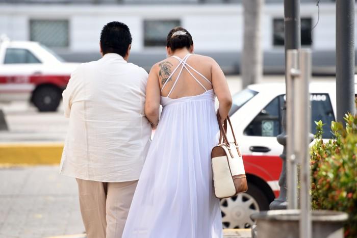 Blanca Estela y Paola contraen matrimonio ante el Registro Civil de Veracruz