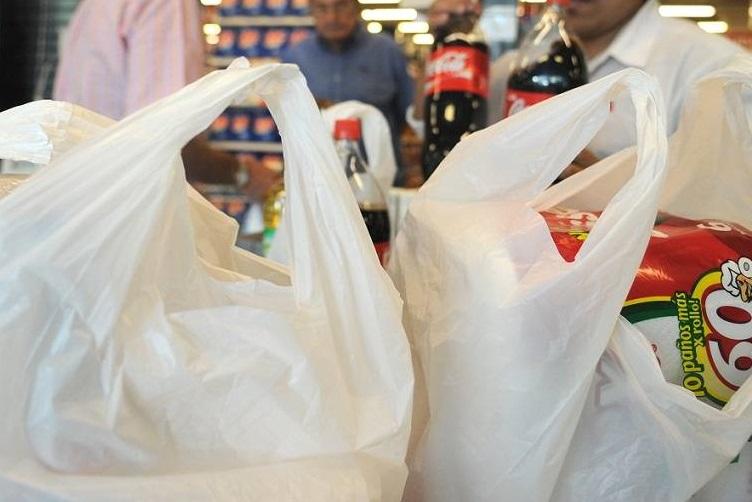 Prohibición de plásticos reduce empleos en hasta un 30%