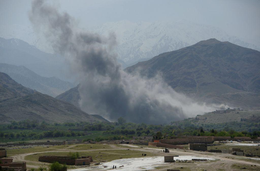 Estados Unidos lanza poderosa bomba no nuclear contra ISIS en Afganistán