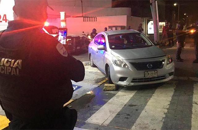 Borracho choca, intenta huir y atropellar policías en Boca