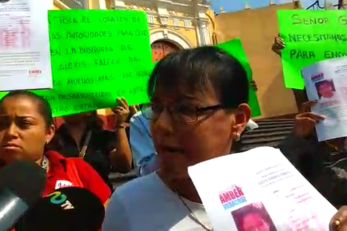 Familiares, amigos y vecinos exigen buscar a Brayan Alexis, desaparecido en Xalapa