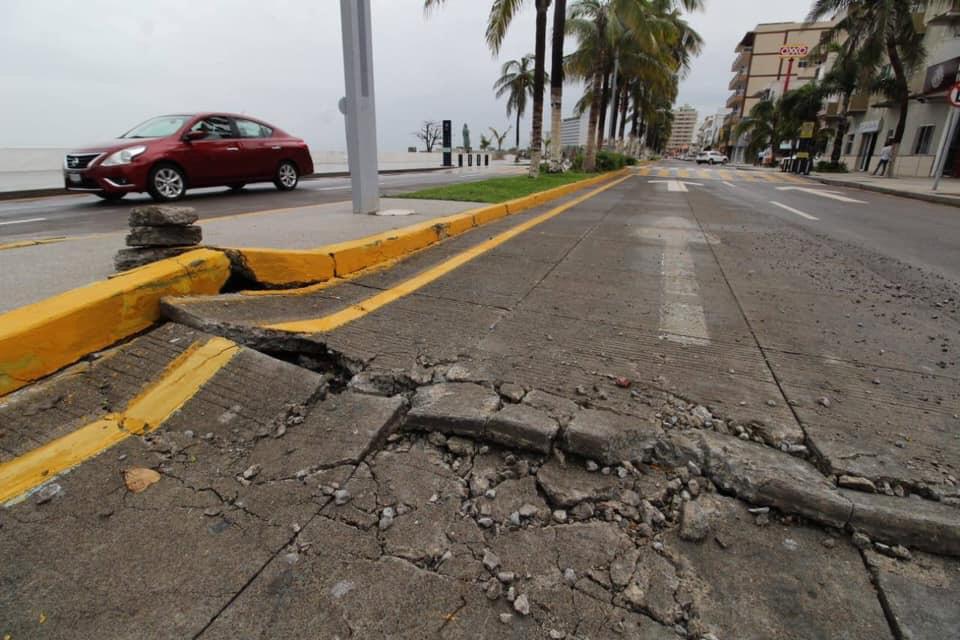 Se despedaza el bulevar del Puerto de Veracruz