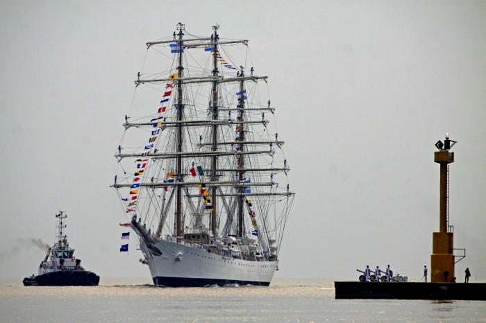 Arriba buque Libertad de la Armada de Argentina a Veracruz