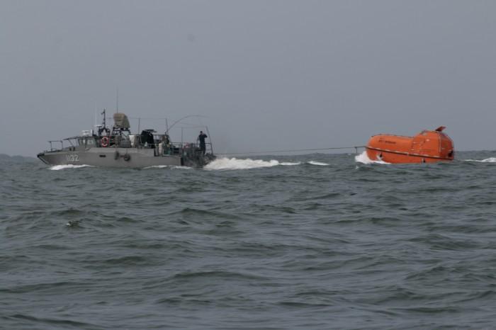 Sea Shepherd: autoridades no han colocado barreras antiderrame
