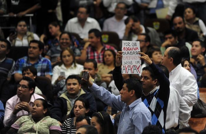 Congreso de Veracruz frena basificación masiva de burócratas
