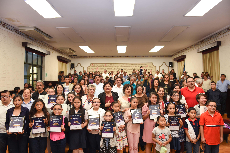 Ayuntamiento premia a ganadores del concurso Historias de Niñas Extraordinarias