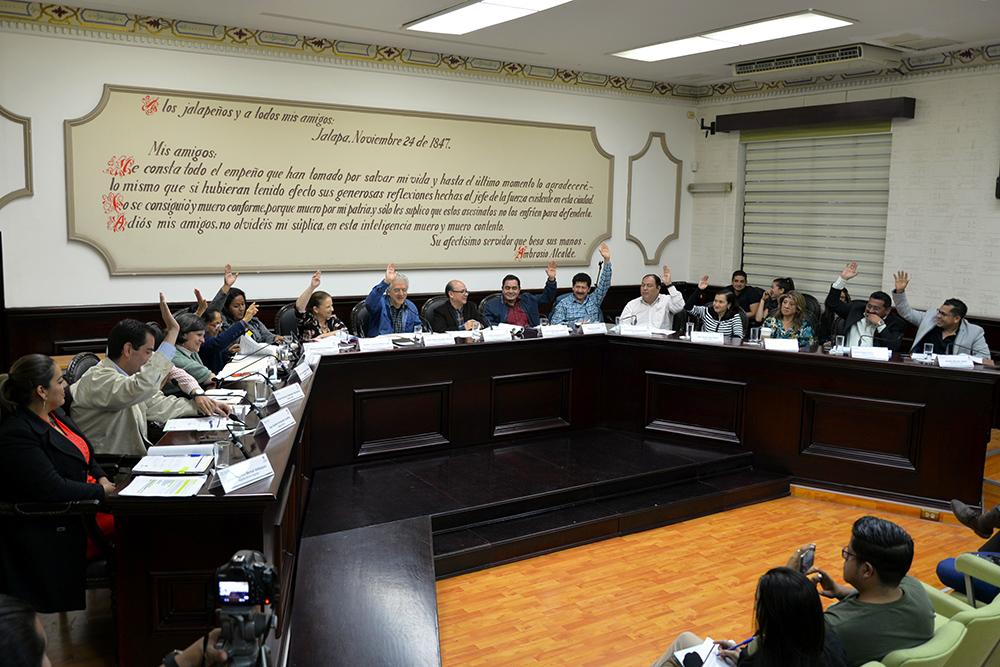 Ayuntamiento de Xalapa ordenará actividad comercial en mercados y plazas