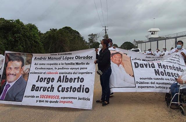 Exigen a AMLO justicia por asesinato de políticos en Soconusco