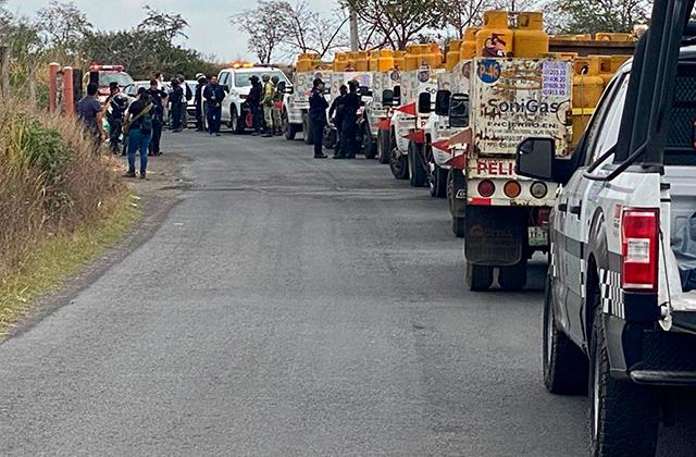 Detienen a empleados de Sonigas por ordeñar tanques en Emiliano Zapata