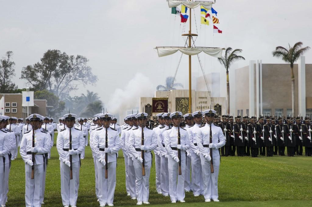 Juran bandera 145 cadetes de la Heroica Escuela Naval