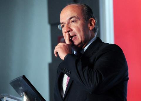 Calderón defendió a AMLO por abucheos