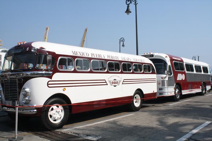 Expondrán camiones clásicos en malecón de Veracruz