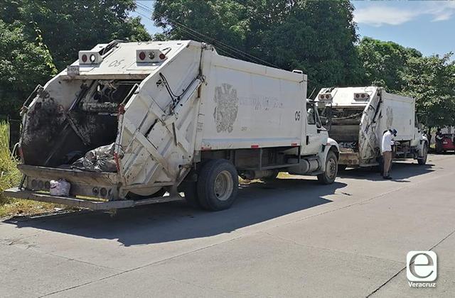 Por contaminación, retienen camiones de basura en Tierra Blanca