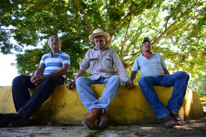 Pemex amenaza con exploración y perforación en miles de terrenos