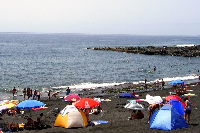 Autoridades 'barrerán' a turistas que pernocten en playas