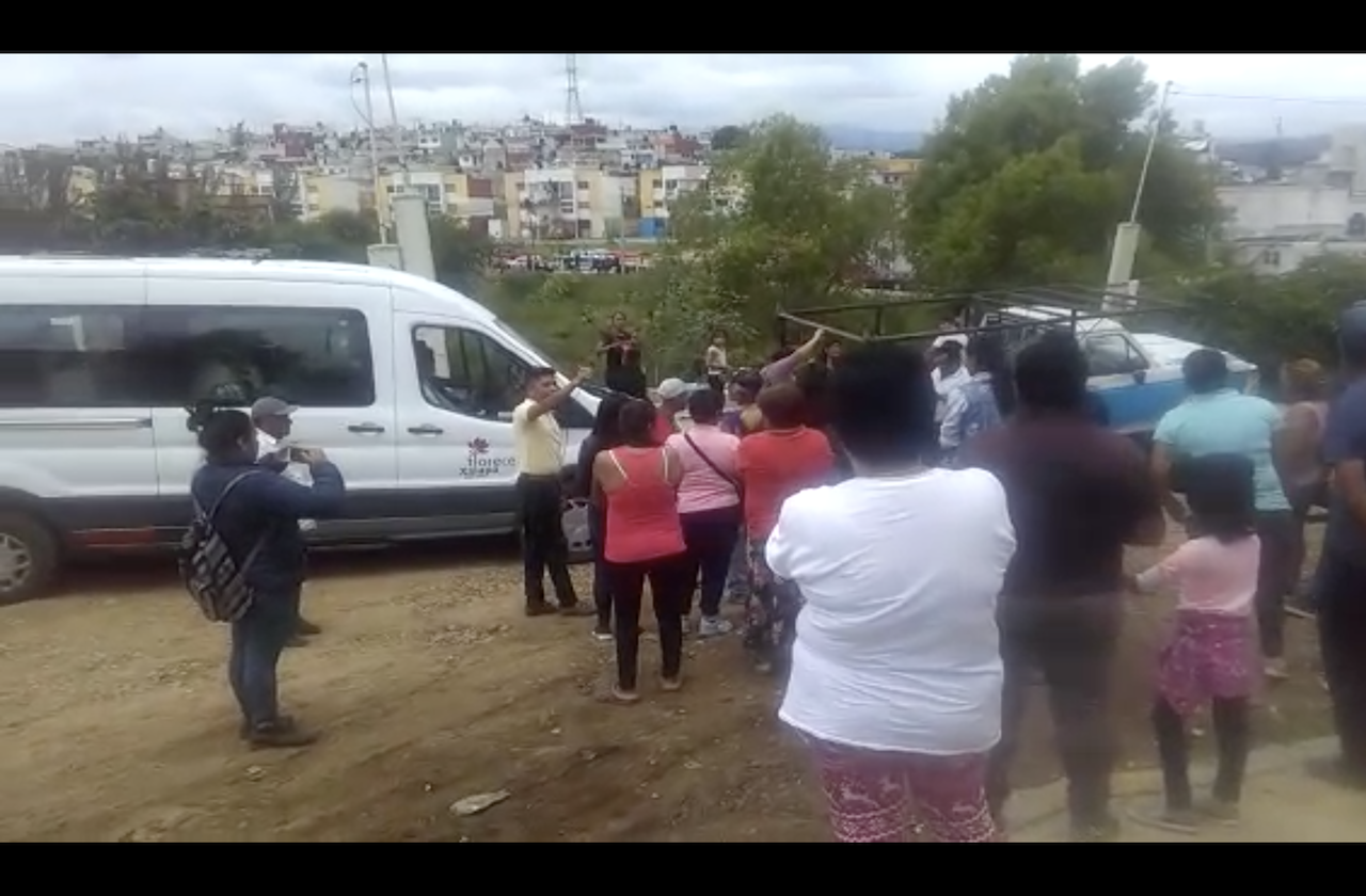 VIDEO I Antorcha Campesina impide entrega de despensas en colonias de Xalapa