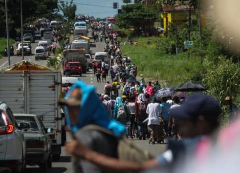 Padres de bebé nacida en caravana migrante la nombrarán Lupita
