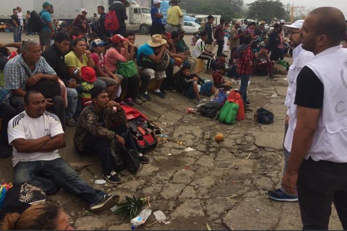Yunes se justifica por dejar sin transporte a migrantes del éxodo centroamericano