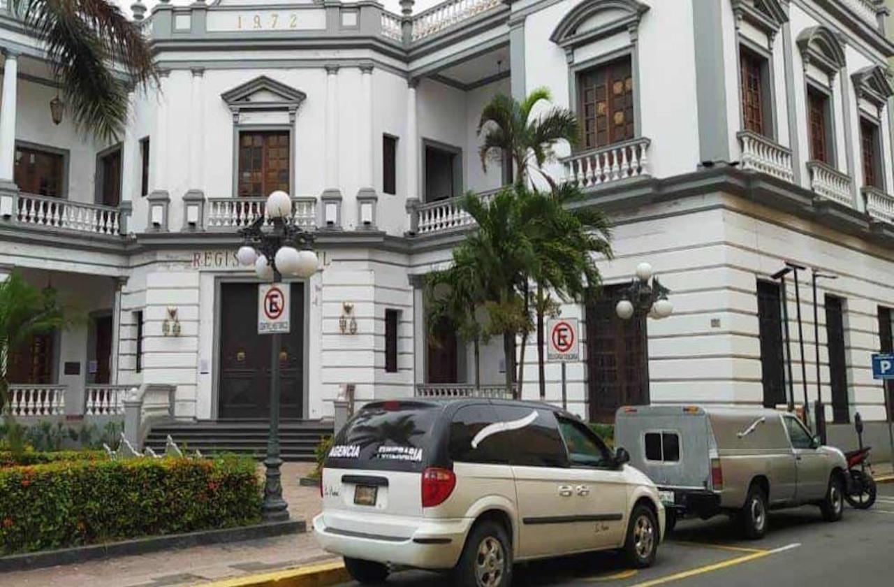 Carrozas deben hacer fila en Registro Civil de Veracruz