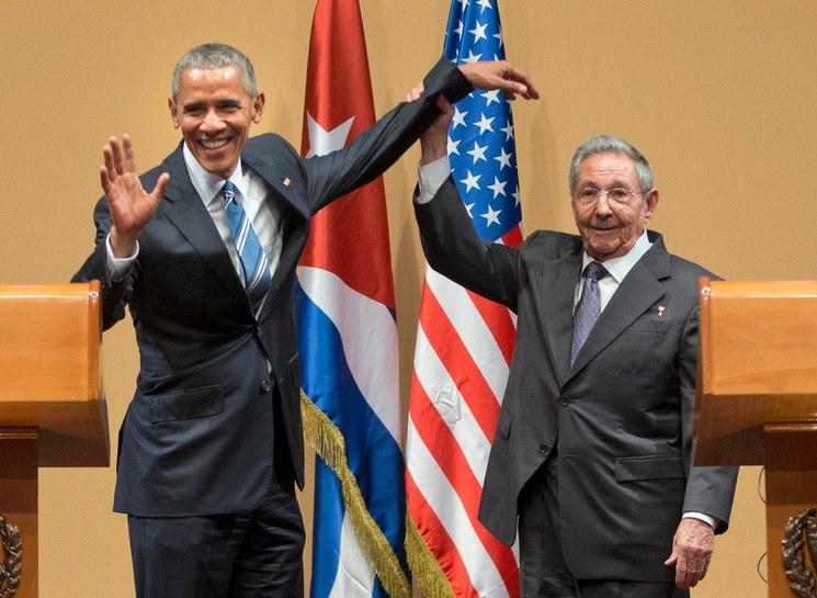 Bloqueo y Guantánamo, obstáculos con EU: Raúl Castro